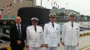 Joakim Wallin, Fredrik Norrby, Leif Nylander och Per-Erik Nyström. Ubåten Archer i bakgrunden.