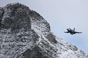 Gripen F demonstrator flyger i Schweiz. Foto: Saab