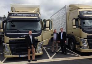 FXM:s Martin Nilsson, JanVillaume och Göran Lindgreen vid demonstration av lastbil.