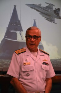 Viceamiral Deiana från Brasiliens marin inledde seminariet. Foto: FXM